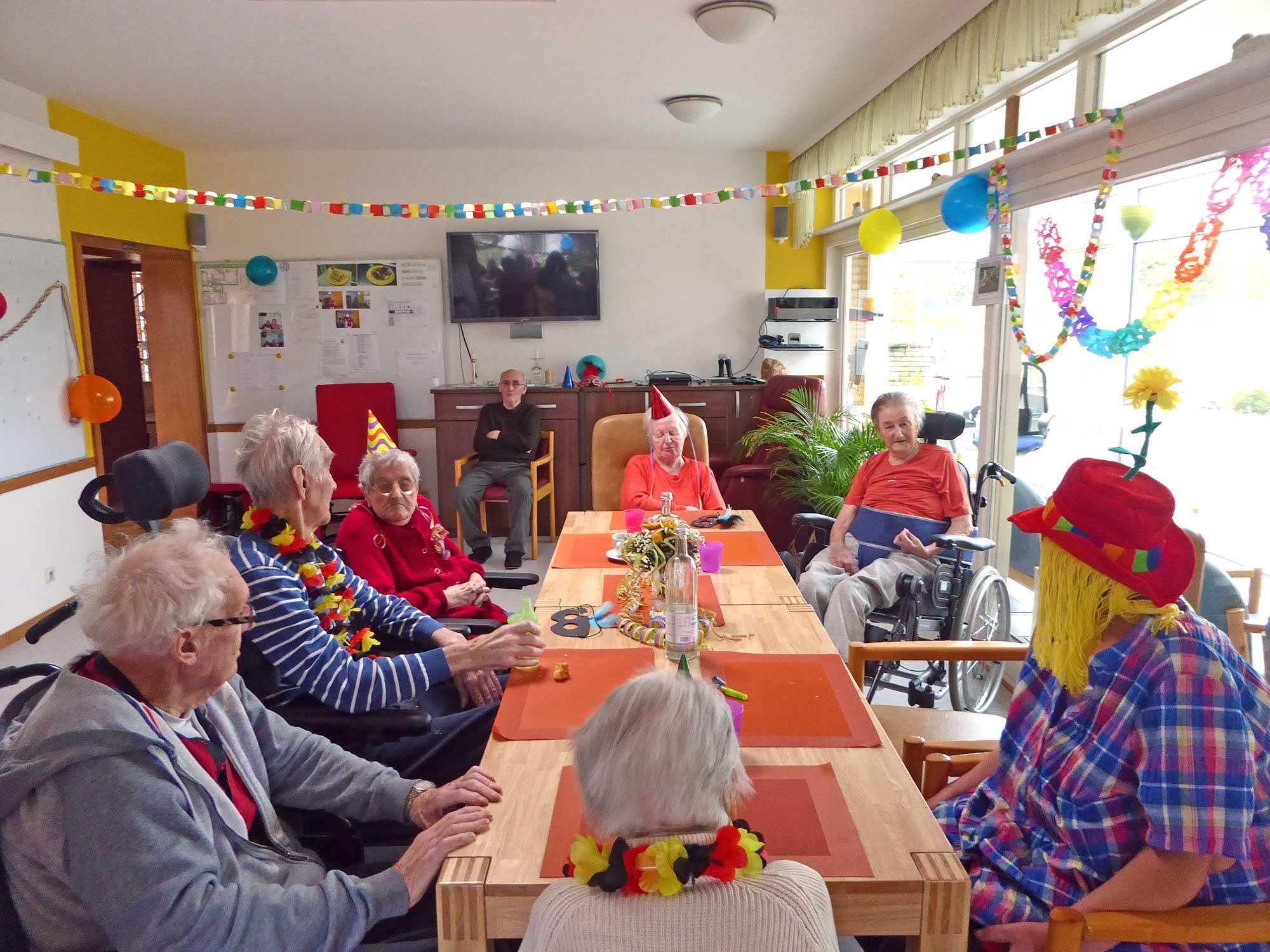 Faschingsfeier im Alten- und Pflegeheim