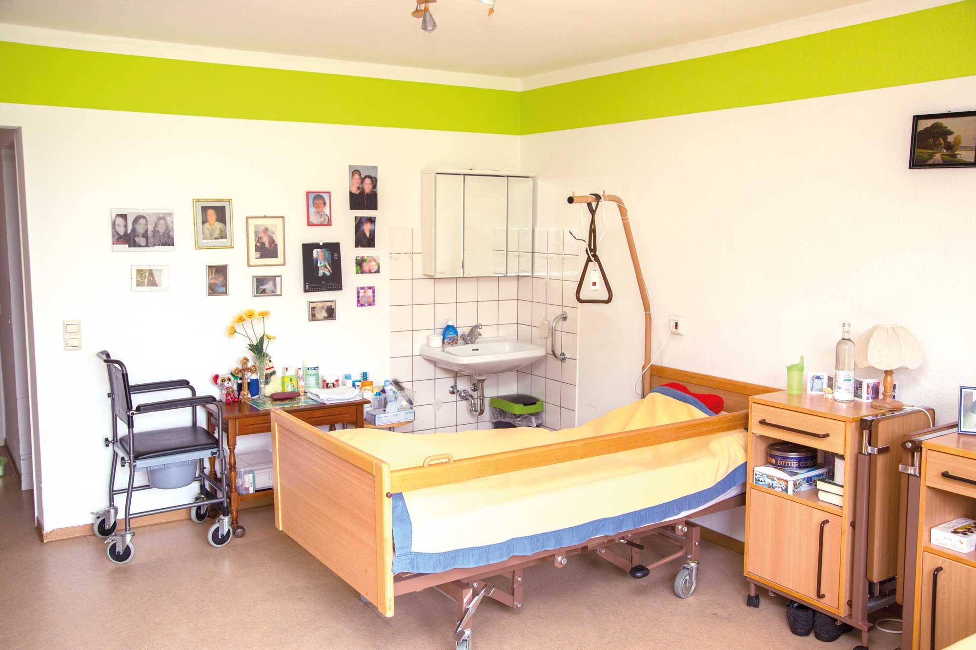 Pflegebett im Privatzimmer